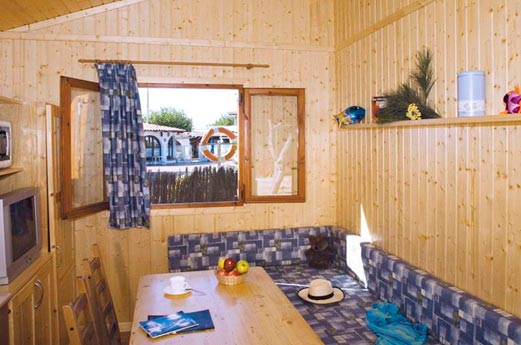 Camping Bon Repos woonkamer